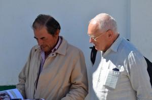Jean Yves Blouin présentant son livre au Ganadero Antonio Miura