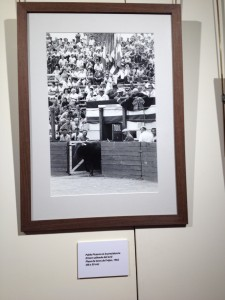 """Lucien Clergue """"60 años En Las Plazas de Toros""""   Pablo PICASSO et Jean COCTEAU à la Présidence des Arènes de FREJUS 1962"""