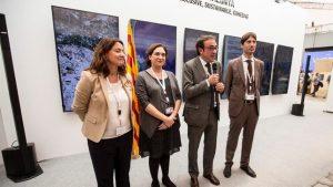Ada Colau et Josep Rull, au centre. EFE.